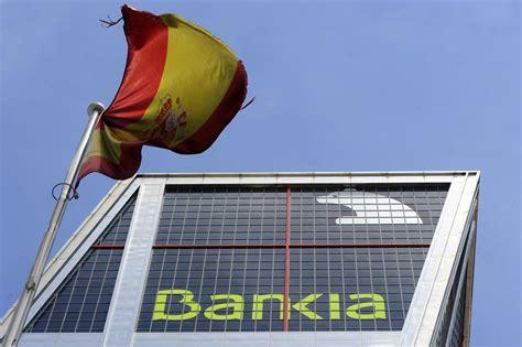 banche in spagna spagna banche nuove proteste per taglio addetti