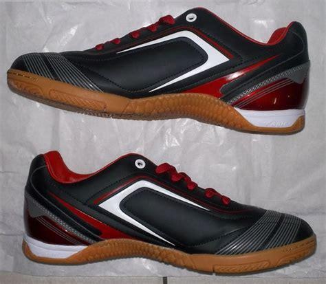 Foto Dan Sepatu Ardiles Toko Jual Sepatu Futsal Original Murah Hitam Merah Gelap Putih
