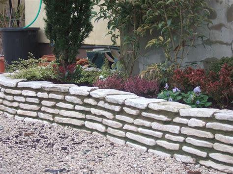 realizzazione aiuole per giardino allestimento aiuole casette tettoie pergole in legno