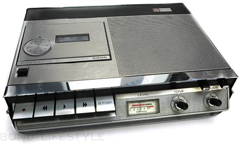 cassette recorder philips 2205 recorder and philips c90 bond