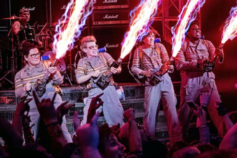 film ghostbusters 2016 ghostbusters reel showcases power of visual effects the