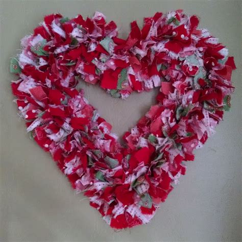 How To Make A Valentine Wreath For Front Door