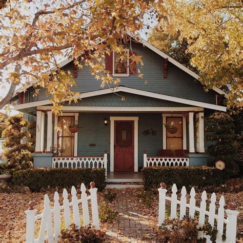 exterior paint colors for cottage style homes 25 best ideas about craftsman bungalow exterior on