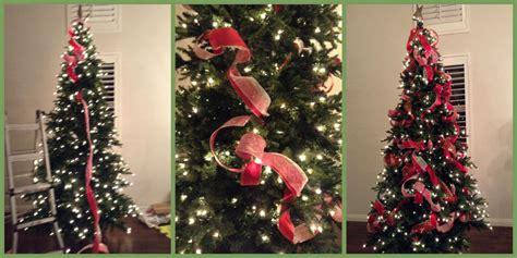 como decorar el arbol de navidad con cintas paso a paso para poner los listones al 225 rbol de navidad ana galena