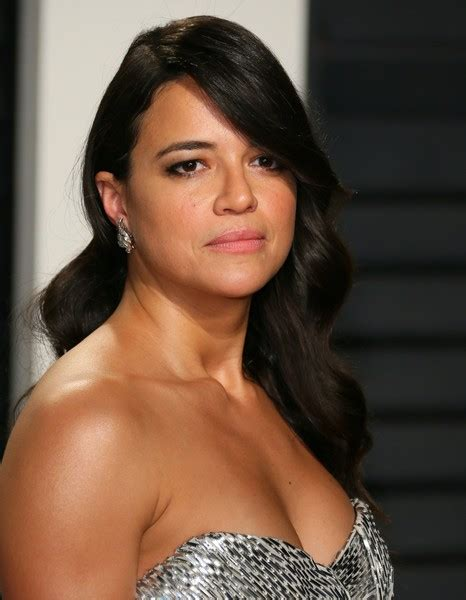 Vanity In Russian Michelle Rodriguez Photos Photos 2017 Vanity Fair Oscar