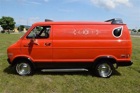 Shag Wagon: 1976 Dodge Tradesman Van