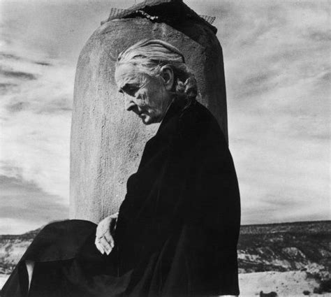georgia okeeffe 25 jahre 3836531895 georgia o keeffe on the roof of her ghost ranch home in new mexico 1967 john loengard time