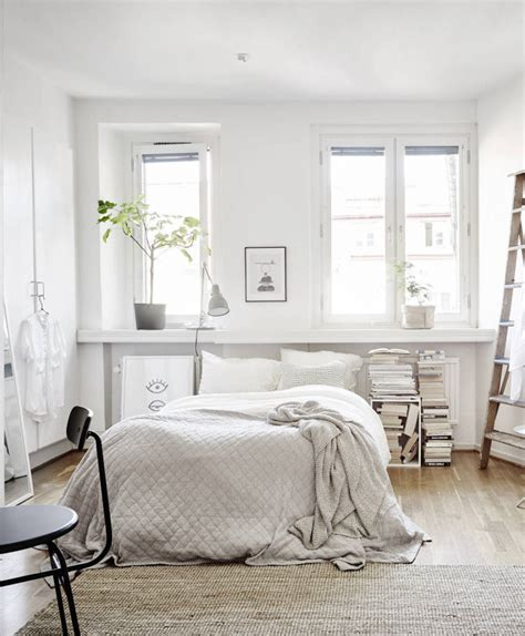 White Bedroom Furniture For Small Rooms Notes Glitter Inc Glitter Inc