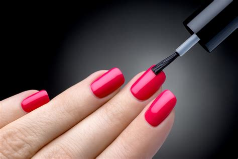 monday manicure with eki tips on how to paint your nails perfectly even with your non dominant