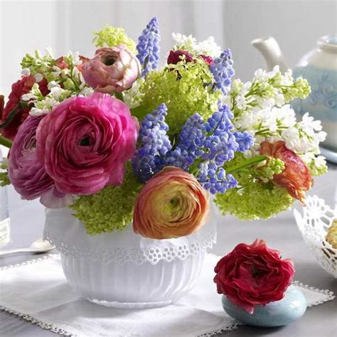 floral arrangements centerpieces how to create floral arrangements in shallow containers