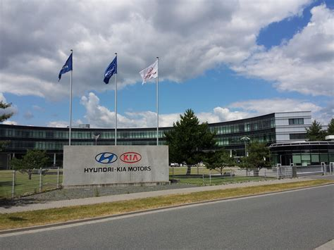 Who Makes Hyundai And Kia File Hyundai Kia Motors Development Center Europe Jpg