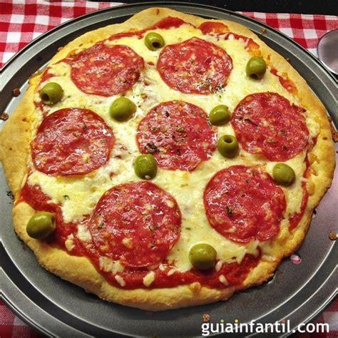 como se cocina la pizza pizza casera de salchich 243 n para ni 241 os receta f 225 cil y r 225 pida