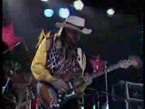 stevie ray vaughan scuttle buttin   montreux youtube