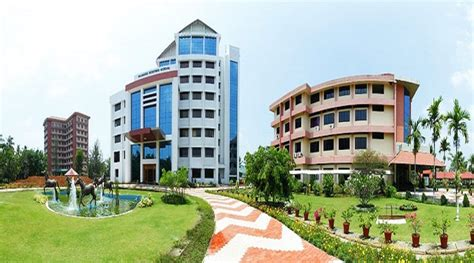 Kochi Business School Mba by Rajagiri Centre For Business Studies Rcbs Fee