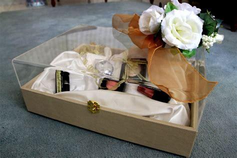 Kotak Hantaran Acrylic kotak hantaran coklat bunga rai