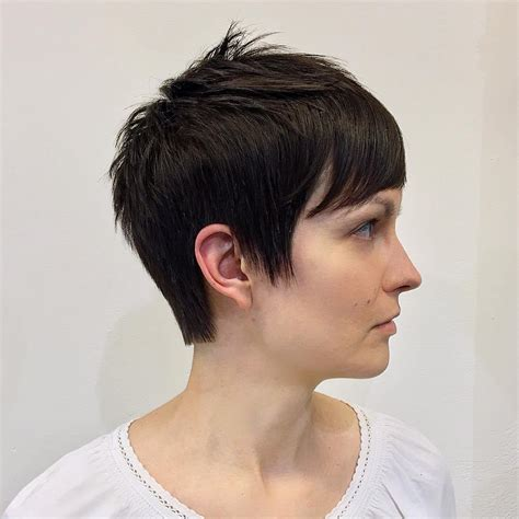 edgy hairstyles in your 40s inverted pixie hairstyles fade haircut