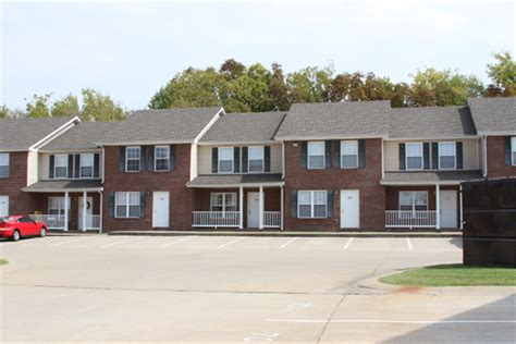 village appartments gateway village townhomes apartments apartment in