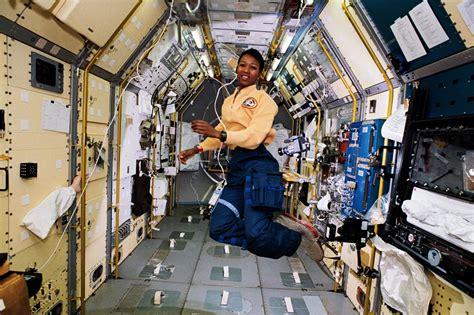 mae jemison first african american woman dr mae jemison ald15 findingada 171 adafruit industries