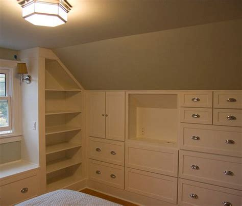 attic bedrooms with slanted walls best 25 slanted wall bedroom ideas on pinterest