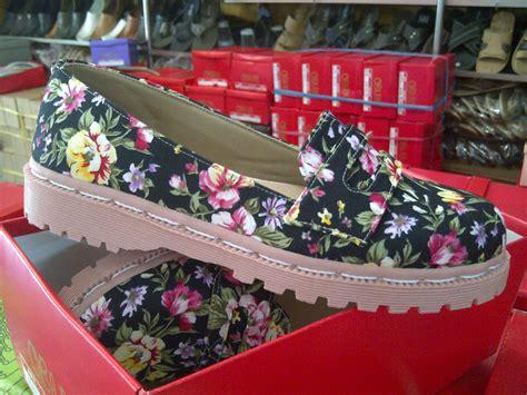 Docmart Bunga Coklat obara collection jl cibaduyut raya no 95 bandung 40236