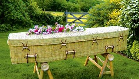 8 Weirdest Burial Rituals by 8 Strange Funeral Customs From Around The World Sig