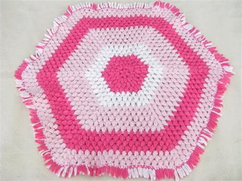 Hexagon Crochet Rug Pattern by Funky Vintage Crochet Hexagon Throw Rug 60s Vintage Pink