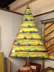 Pallet christmas tree ideas source diy lighted wooden pallet christmas
