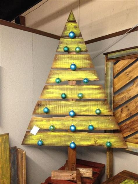 christmas tree pallet pattern best pallet christmas tree diy pallets designs