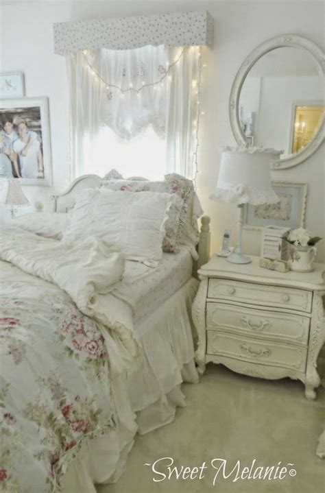 How To Decorate A Shabby Chic Bedroom by 33 And Simple Shabby Chic Bedroom Decorating Ideas