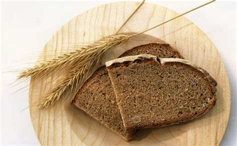 whole grains gassy foods that commonly cause bloating