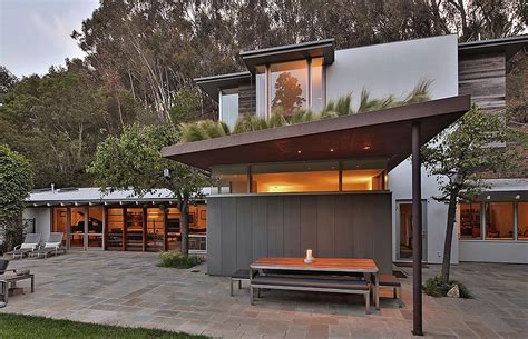 rustic modern house ranch style santa monica home draped in pleasant rustic modernism