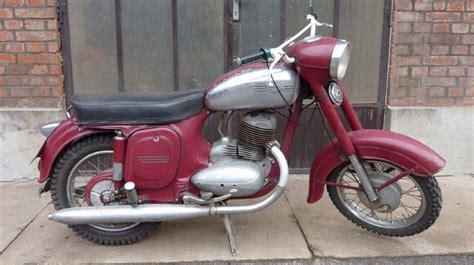 Alte Jawa Motorräder by Reference Veterancs
