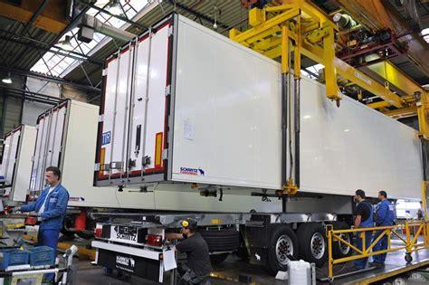 Bor Schmitz shifts at schmitz cargobull s vreden factory to meet demand schmitz cargobull