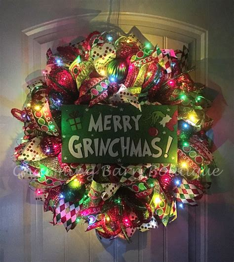 25 best ideas about whoville decorations on 25 best ideas about grinch decorations on