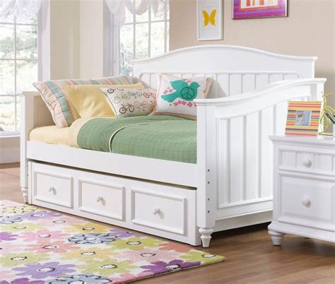 Daybed With Trundle And Storage 1000 Ideas About Size Daybed On Daybeds Daybed And Daybed With Storage