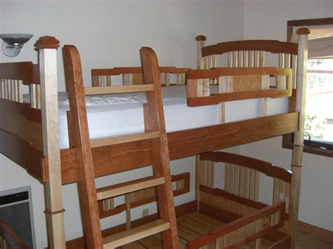 awsome beds awesome bunk bed project of the week the wood whisperer