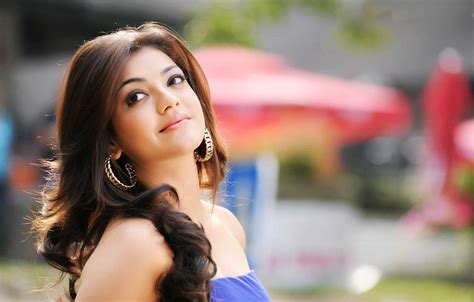 kajal agarwal mobile themes free download 60 best kajal agarwal beautiful wallpapers photos download