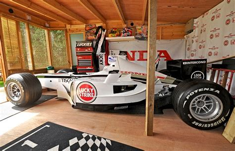 Dimensions Of One Car Garage Formula One Fan Builds Full Scale Racing Car In His Shed