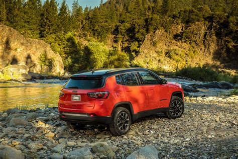 jeep compass rear 2017 jeep compass reviews and rating motor trend canada