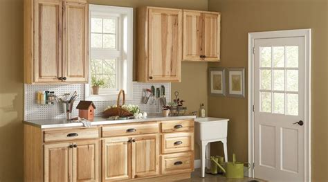 American Classics Kitchen Cabinets American Classics Hton Hickory Cabinets Used In The Potting Room Cedar Shingle