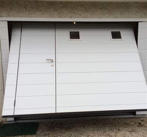 porte garage basculante portillon portes de garage basculantes avec portillon obasinc