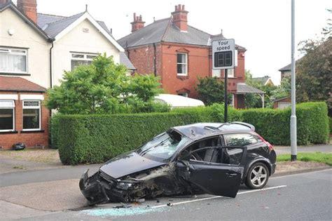 car crashes into tree car crashes into tree in holderness road hull daily mail