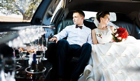 How to Choose the Best Wedding Limo Service