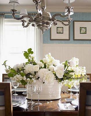 Dining Room Table Flower Arrangements by 25 Best Ideas About Dining Room Table Centerpieces On