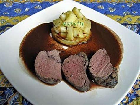 cuisiner une 駱aule de chevreuil recettes de chevreuil et sauce au vin