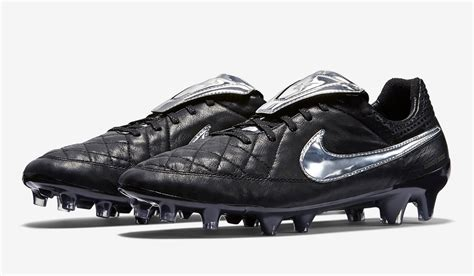 cost of football shoes how much does the tiempo legend totti now cost soccer