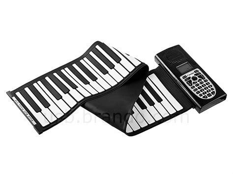 Usb Roll Up Piano くるくる丸めて持ち歩けるusb接続のmidiピアノ usb roll up piano with midi out gigazine
