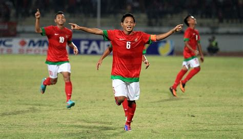evan dimas evan dimas darmono profile indonesia u 19 captain profil