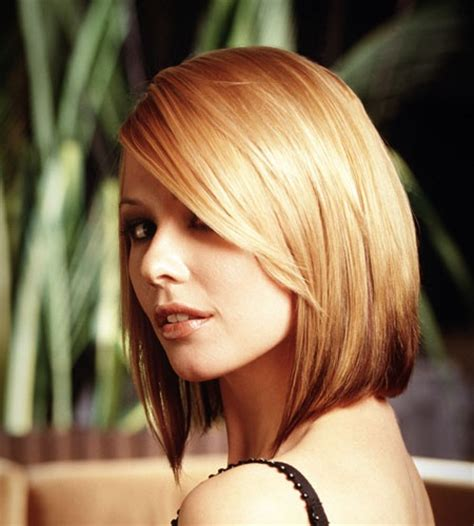 short off the face summer hairstyle with messy waves off the face bob hairstyle off the face bob hairstyles