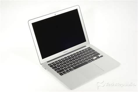 Laptop Apple 8 Jutaan attack of the apple laptop battery vulnerability could be used to install malware techrepublic